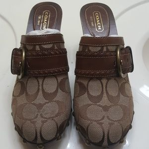 Coach signature brown clogs